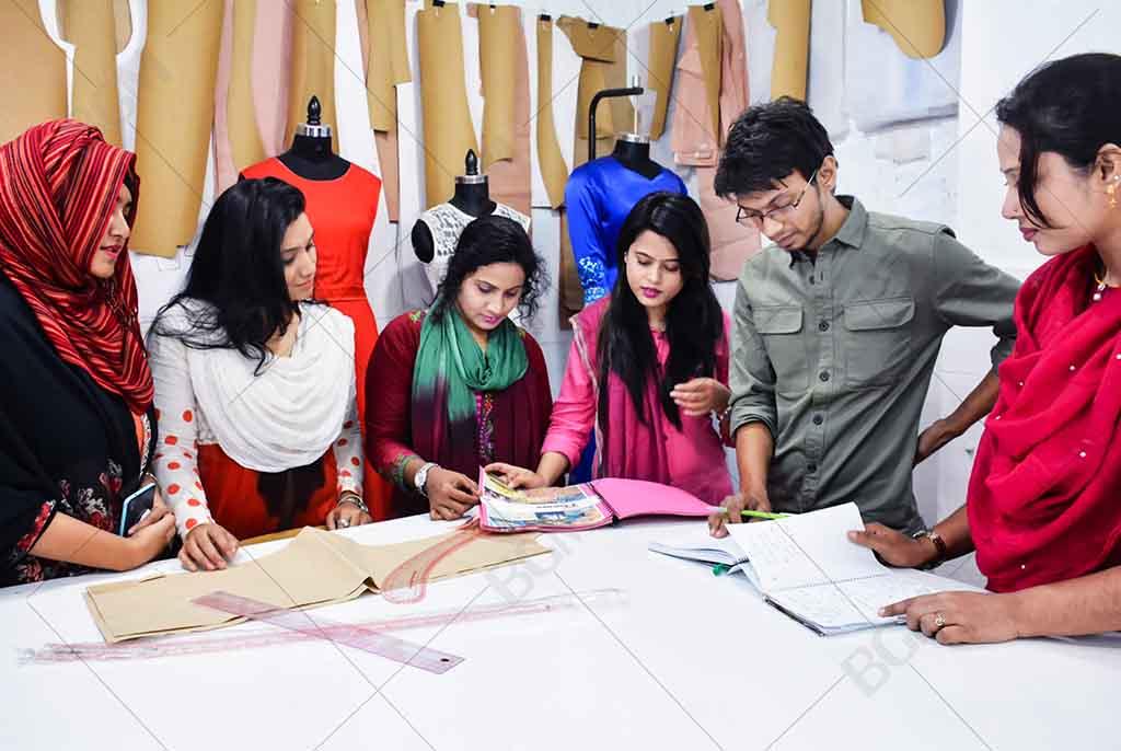 apparel merchandising course