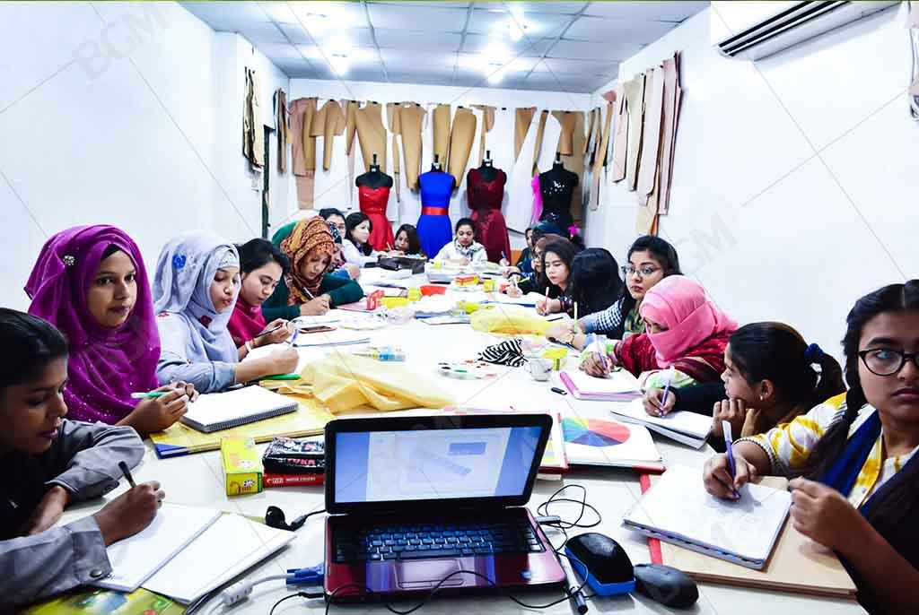fashion design university in bangladesh